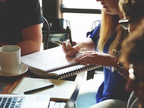 领导找你谈话时,用好这六个应对技巧,领导会更喜欢你
