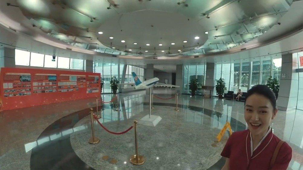来自中国东方航空:1分35秒第一视角解密空乘的工作日常。