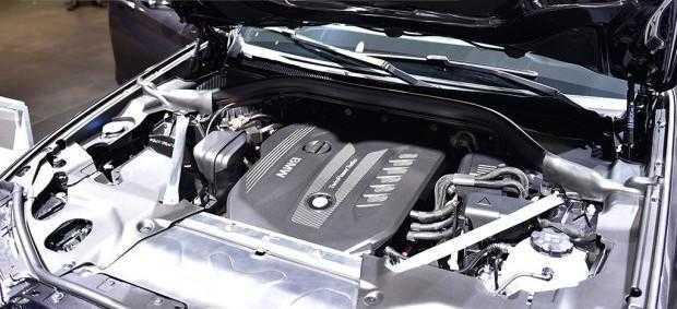 首台18款宝马X3到店实拍,内饰媲美奔驰S级,奔驰GLC拿什么来比