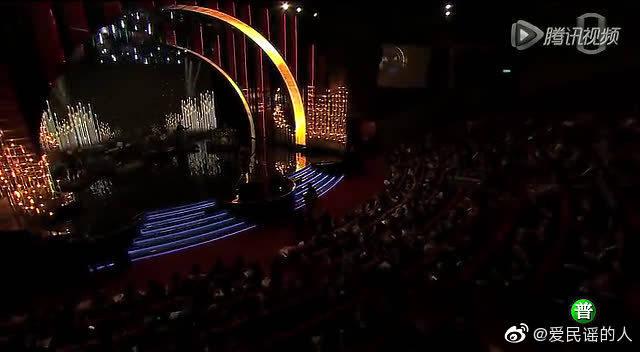 第51届金马奖,朴树《平凡之路》现场版。这首歌真的算是朴树的经典