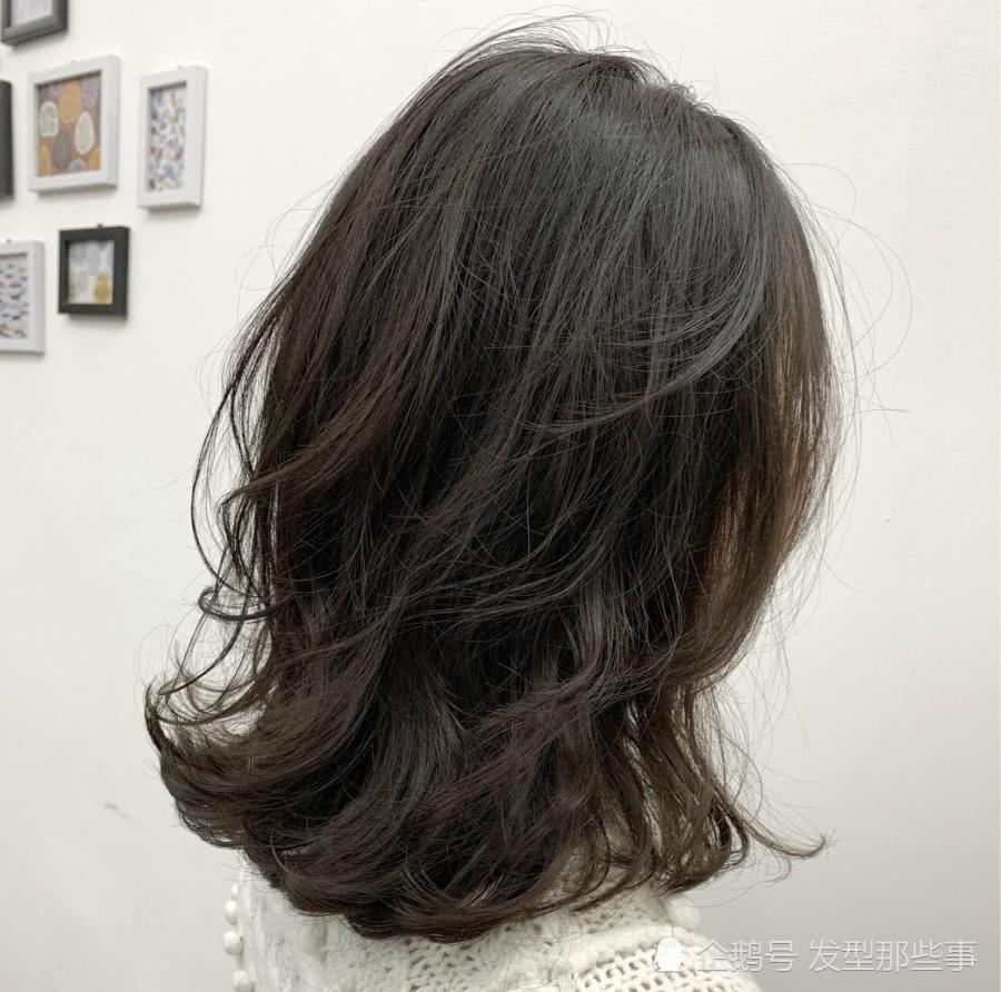 2019烫烫发尾是主流,30款流行发型送给你!烫完都说美图片