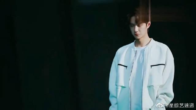 王一博拍摄花絮,酷炫自然,尽显青春活力,果然年少有为,太帅了!