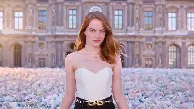 艾玛斯通为Louis Vuitton香水拍摄的新广告释出,中间还有段乱舞