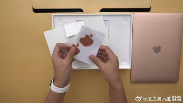 新款MacBook Air体验,这个金色又变了!
