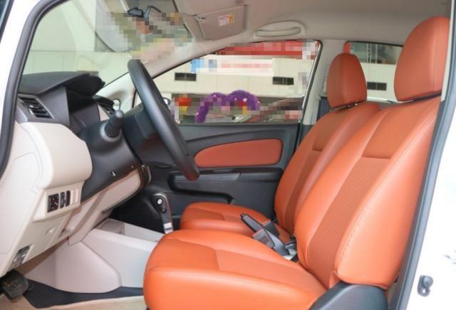 东风启辰R50,充斥着很多现代元素,给人一种很舒服的感觉!