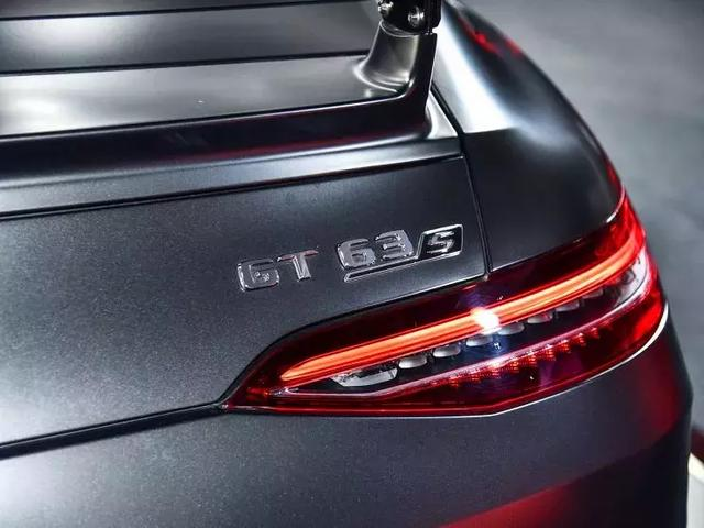梅赛德斯-AMG GT四门跑车发售,预售价100.00万起