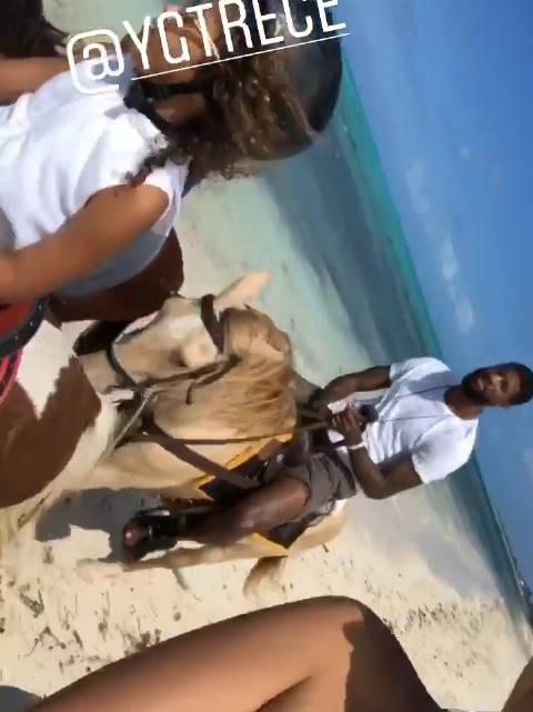 度假的第N天…一家人在海边陪大女儿奥莉练习骑马!