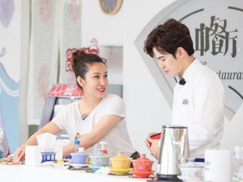 《中餐厅》变吐槽大会,杨紫谈王俊凯把自己说哭?网友摸清套路了