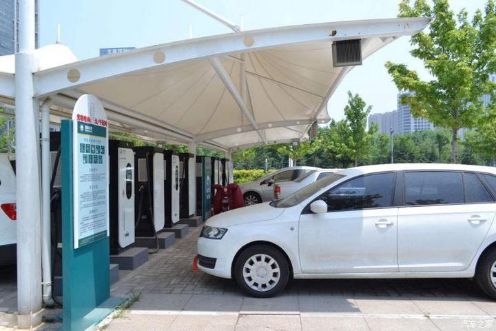 银隆被列为被执行人;宝马新能源今年销量目标50万辆
