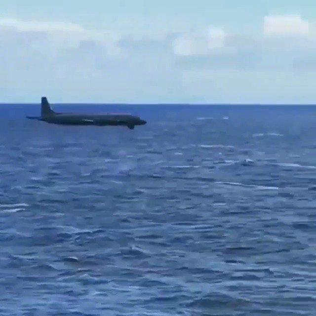 伊尔-38反潜侦察机的海上低空飞行