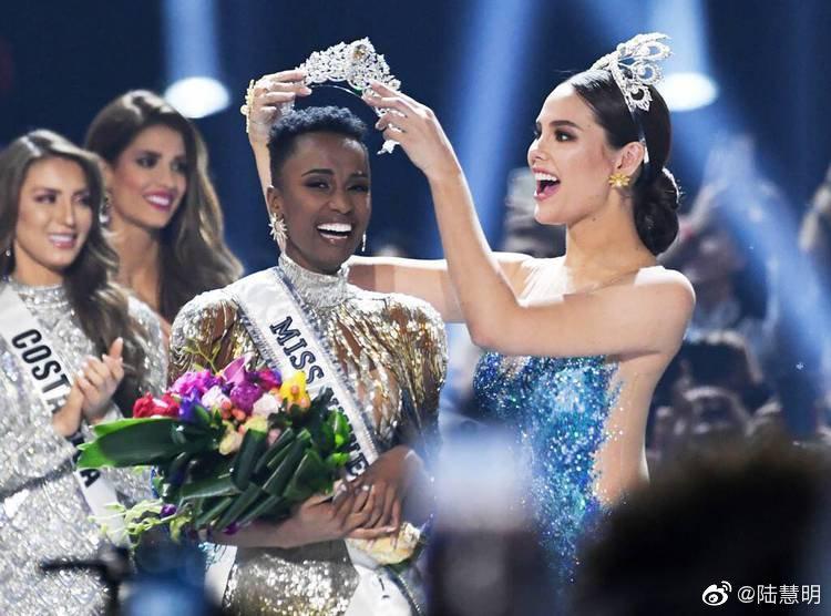 2019环球小姐大赛,南非Zozibini Tunzi夺冠。波多黎各小姐获得亚军