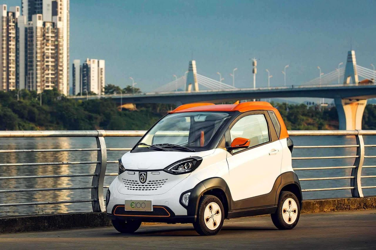 宝骏全新E100微型电动汽车或售4万元-手机新浪汽车