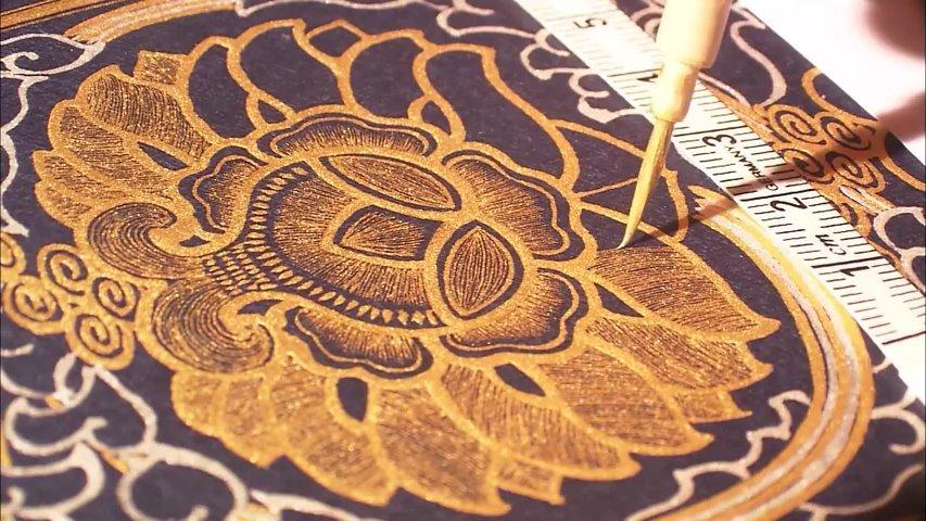 简直就是神仙画画啊!工笔描金,蝇头小楷,精妙艺术,工匠精神。