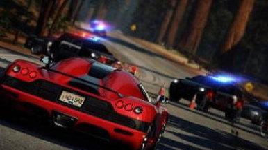 """保定一地上演""""速度与激情"""" 嫌疑车辆撞伤交警还数次挤靠警车"""
