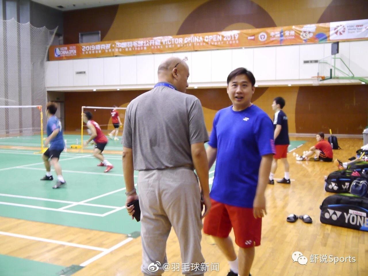 李矛与日本混双主教练颜伟德 日本男双教练陈金和 韩国教练河泰权 日