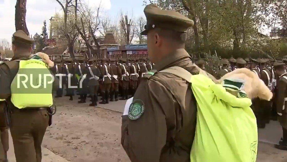 最近智利举行了一年一度的阅兵仪式