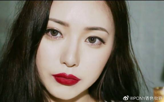 韩网RED LIP MAKEUP