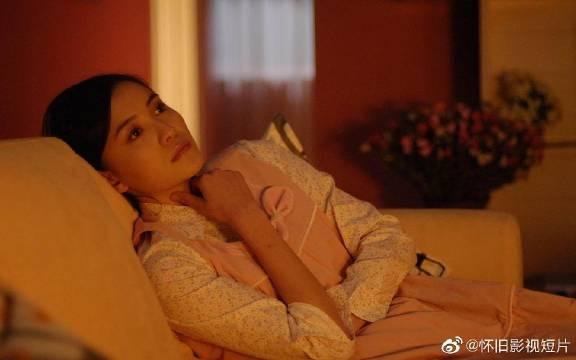 《爱情呼叫转移》是由张建亚执导徐峥、刘仪伟、范冰冰、黄圣依等主演