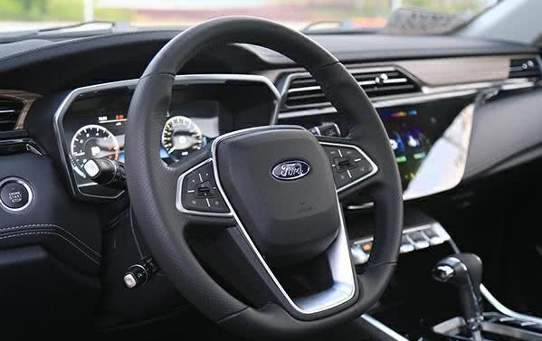 """10万级的福特SUV,比汉兰达还宽,""""换标车""""值不值得买?"""
