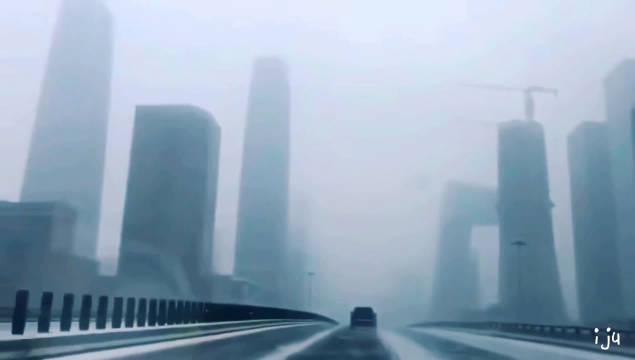 大学的北京,人烟稀少的东三环,现实版《流浪地球》。