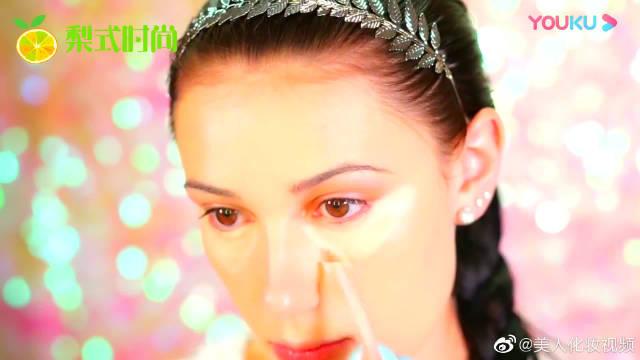 两种颜色互相衬托,优雅气质,你喜欢这样的妆容吗?