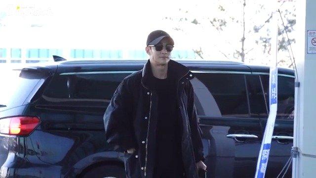 18日,演员 经仁川机场出发,前往美国纽约参加海外日程。