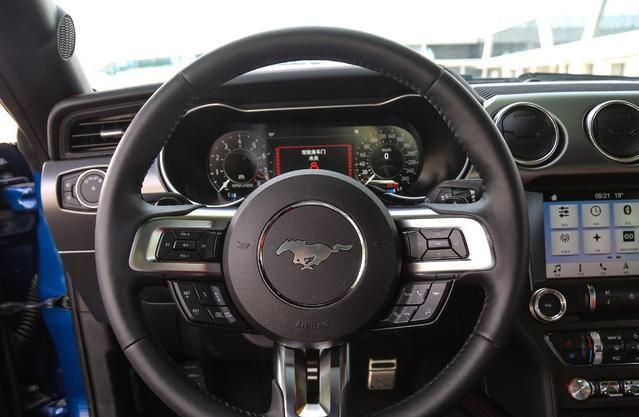 Mustang 5.0L V8 GT 新款Mustang也正是国内最便宜的V8性能车