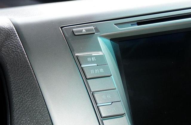 比亚迪M6气派不跌面,功能多底盘给力,过年期间可以买一台