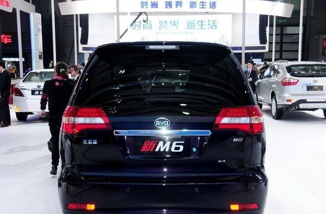 比亚迪M6配置齐全颜值高,备受人们认可,女司机也能开