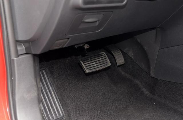 比亚迪G5很讨人喜欢了,车身造型出众,表现优良