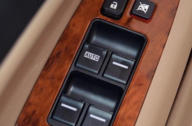 比亚迪F6简约又不失设计感,整体更加独特,非常受欢迎