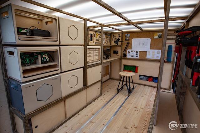 连木工都有自己的定制房车了!日产的工程师想的真周到