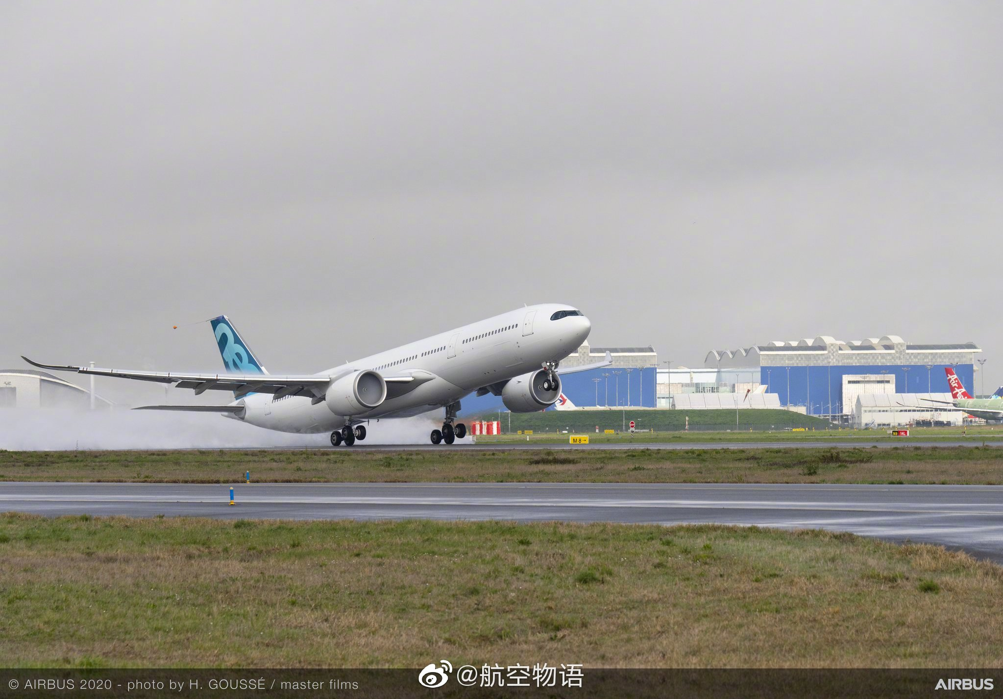 最大起飞重量251吨最新款A330neo首飞 飞的更远 装的更多
