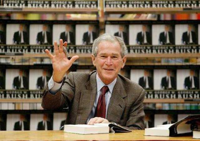 曾向小布什扔鞋,被视为英雄的伊拉克记者,后来的生活怎样