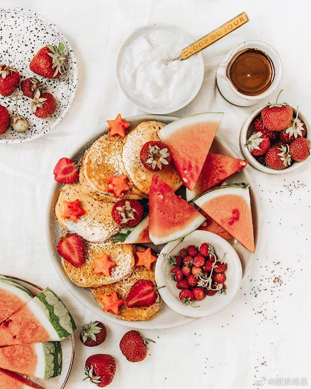 今早吃份甜甜的早餐吧。早安~