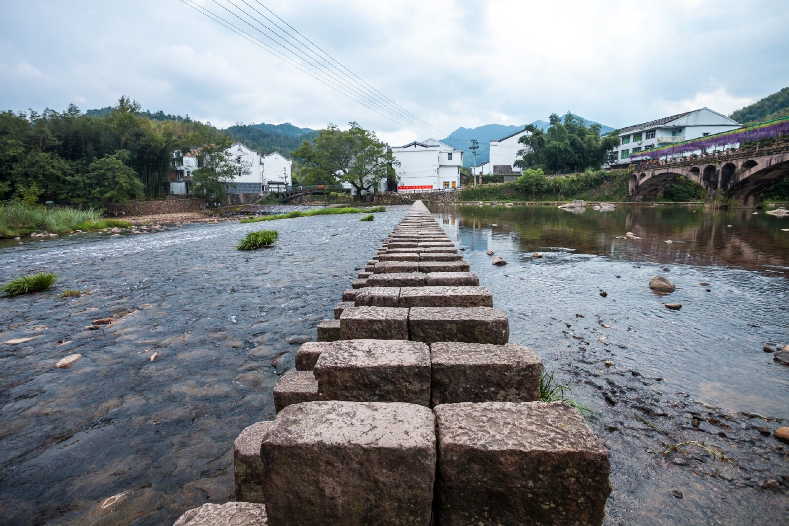 苍南县桥墩镇有个矴步头村,旧时曾是浙南闽北两省三县茶叶集散之地