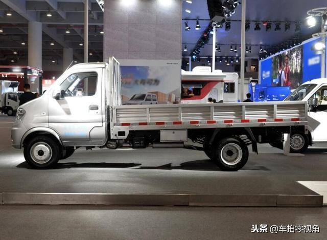 """又一款""""生意帮手""""上市,最低售价3.79万,装货卸货真比面包车强"""