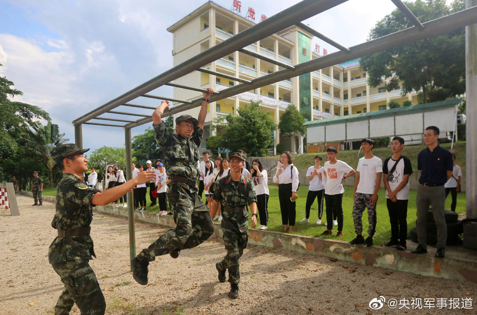 淬炼青春 筑梦军营 | 在校大学生走进武警海南省总队儋州中队体验军营