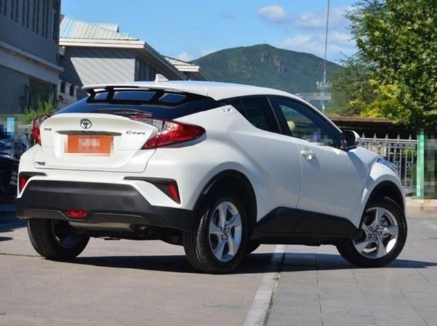 广汽丰田丰田C-HR,外观整体风格极具力量感,非常的具有吸引力
