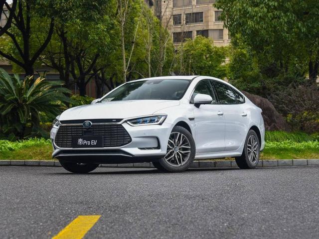 新能源汽车太受欢迎,年销量破百万,这几款卖的最多,上汽没上榜