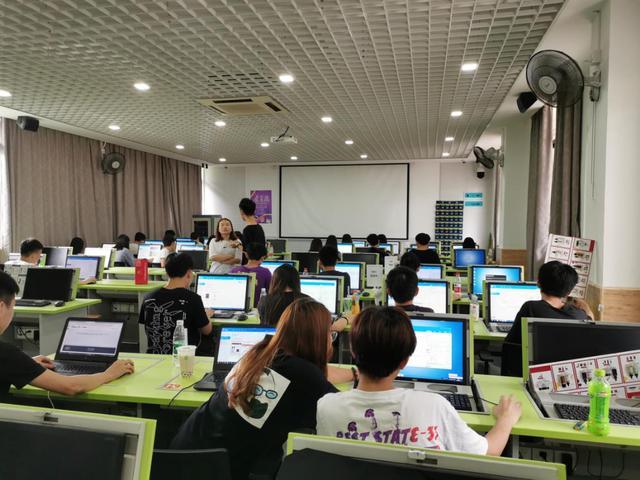 玩大的,岭南技师学院电子商务系京东618电商狂欢节大事记
