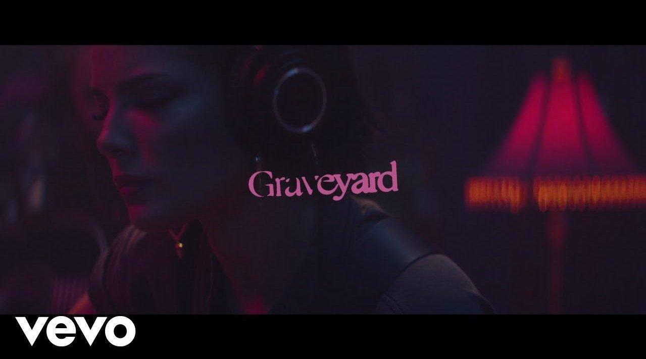 "Halsey ""Graveyard"" (纳什维尔不插电现场) - PopLeading"