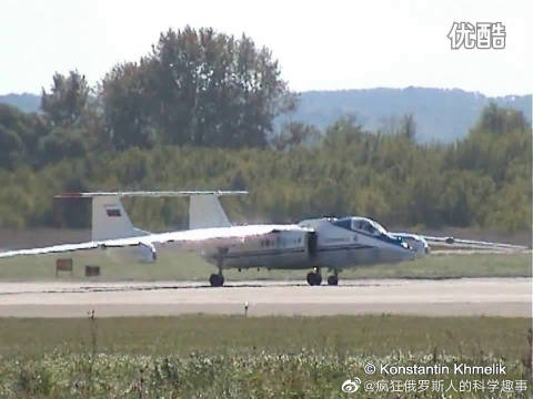 """苏俄利器-M55""""神秘""""高空侦察机在2005年俄罗斯MAKS空展中表演"""