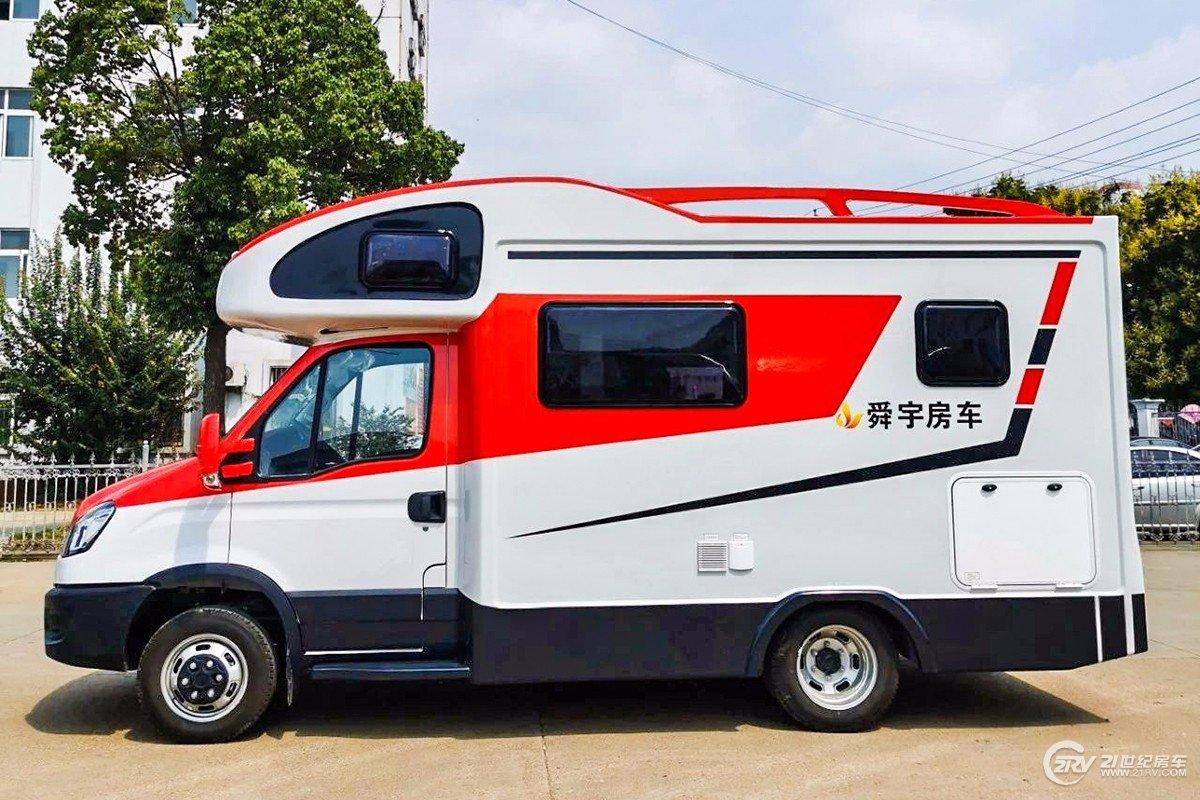 舜宇依维柯C型房车是今年下半年发布的一款全新车型,新车基于依维柯