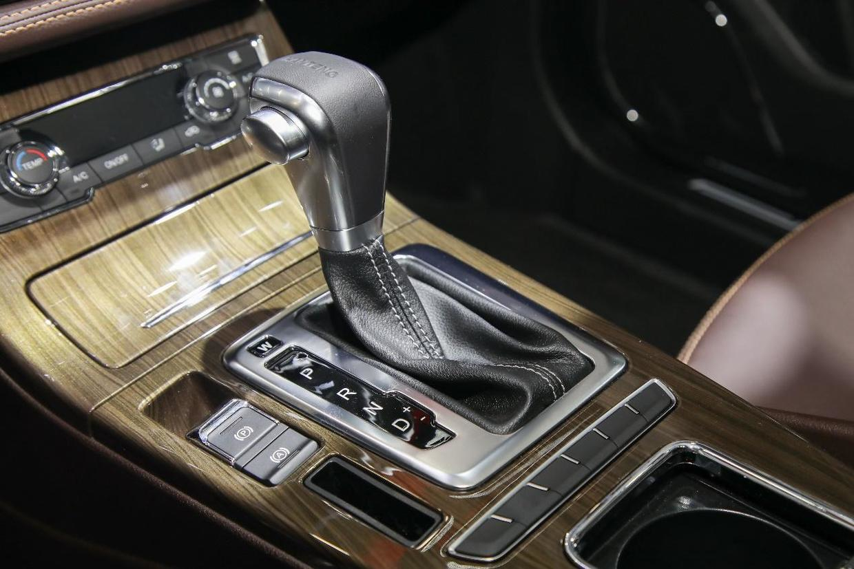 新年开新车!汉腾X5 MAX,陪你开启新一年的努力!