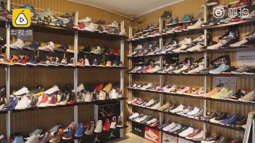 长春男子称花百万收藏百双篮球鞋,为买鞋住地下室吃泡面度日