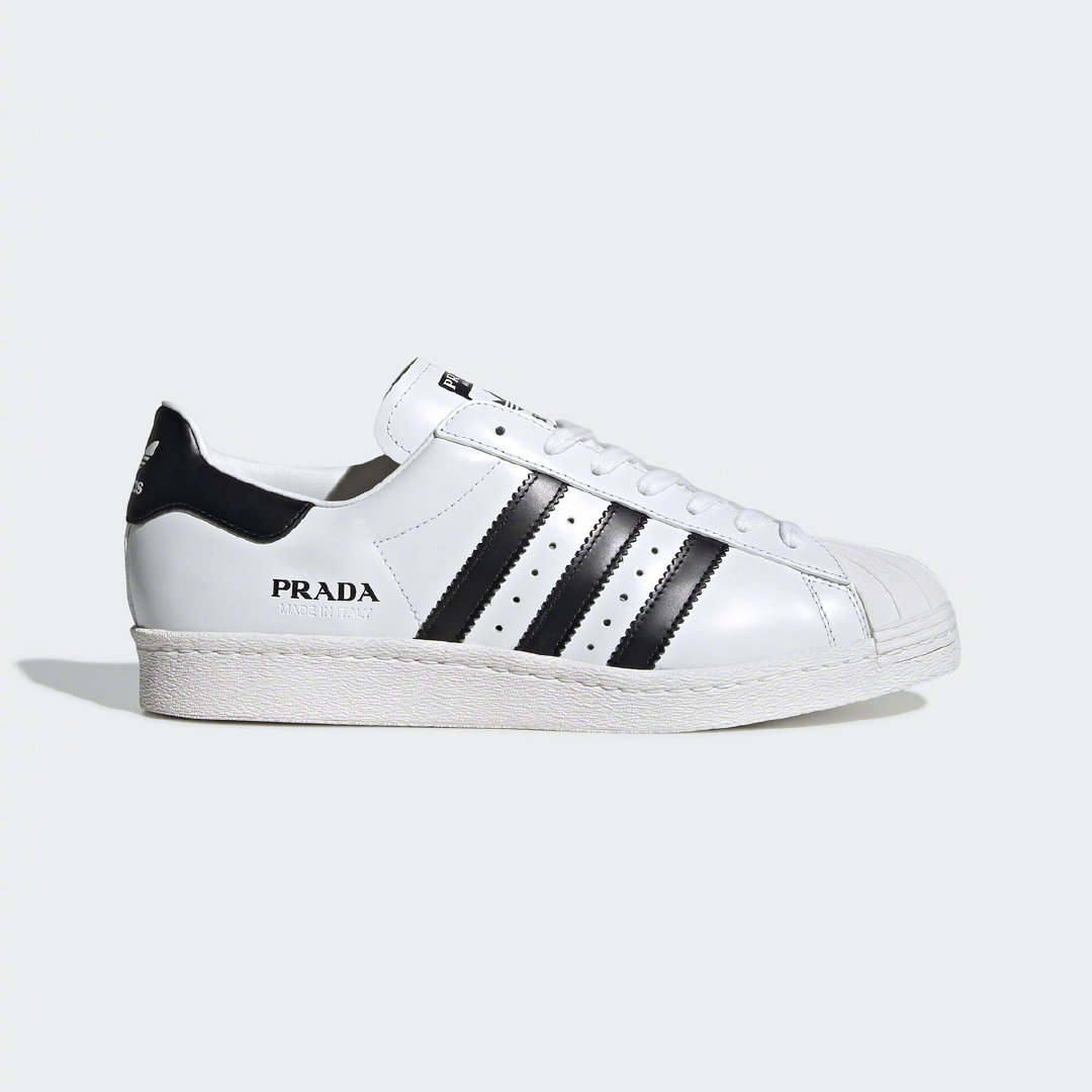 于去年揭开面纱的Prada与adidas的联名鞋款Superstar