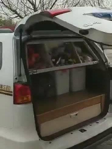 视频:大哥森雅S80自改房车出游,改的太好了!