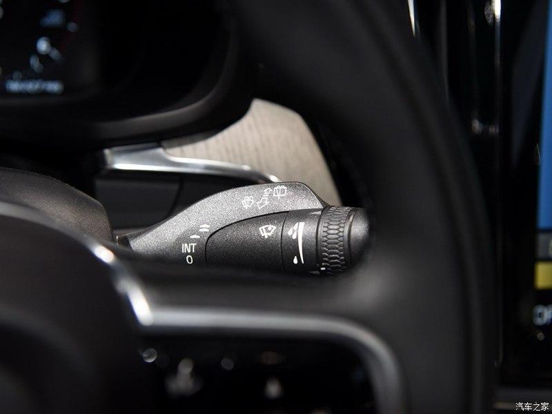 最诚恳的进口好车!外观跟X5一样大气,4.9秒破百,仅29万
