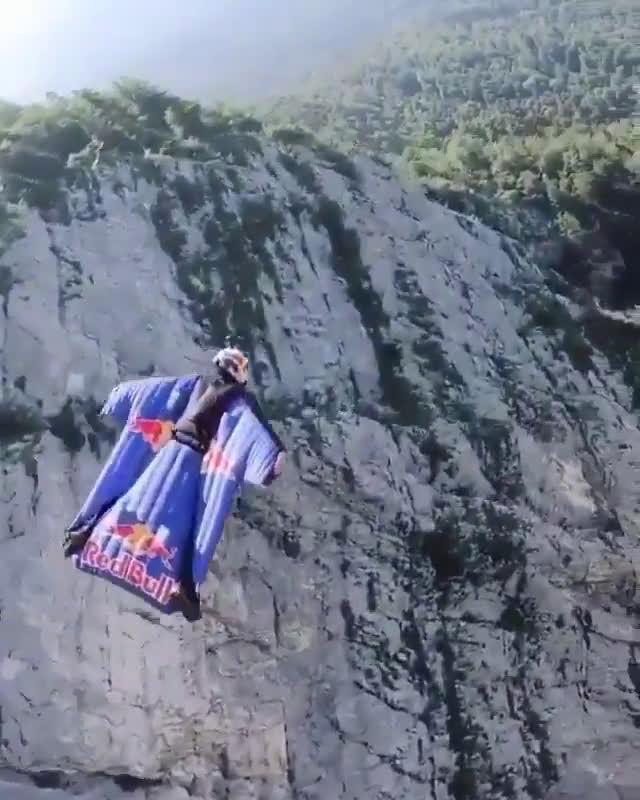 鹰一样的民族 Red Bull Skydive Team(Swiss)
